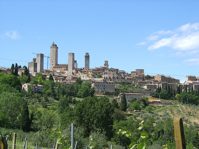 View of San Gimignano. Photo in Creative Commons License by Rob Glover (www.flickr.com)