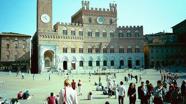 Piazza del Campo � Sienne. Photo avec license CC by Chris Yunker