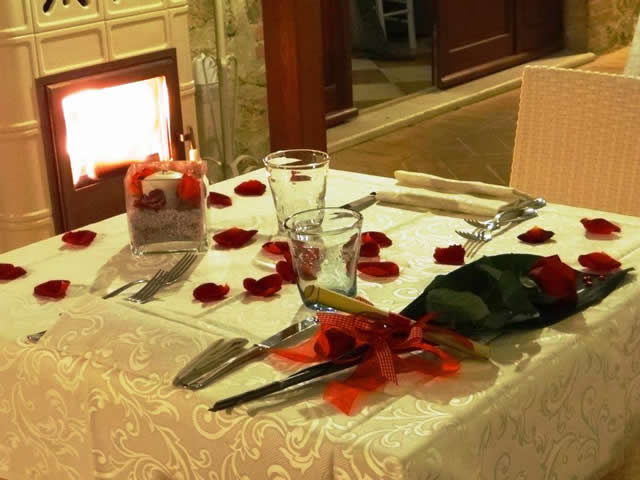 Regala un Weekend Romantico - 640_cena_romantica_n.jpg