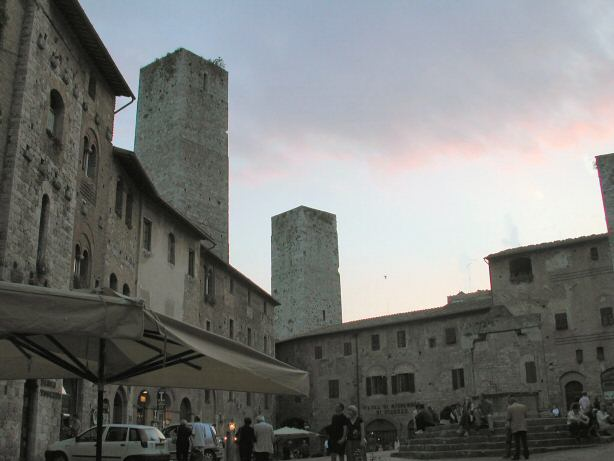 San Gimignano. Photo in Creative Commons License by Monica Arellano (www.flickr.com)