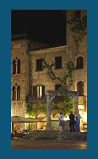 San Gimignano at night. Photo by Malcom Moore with CC license
