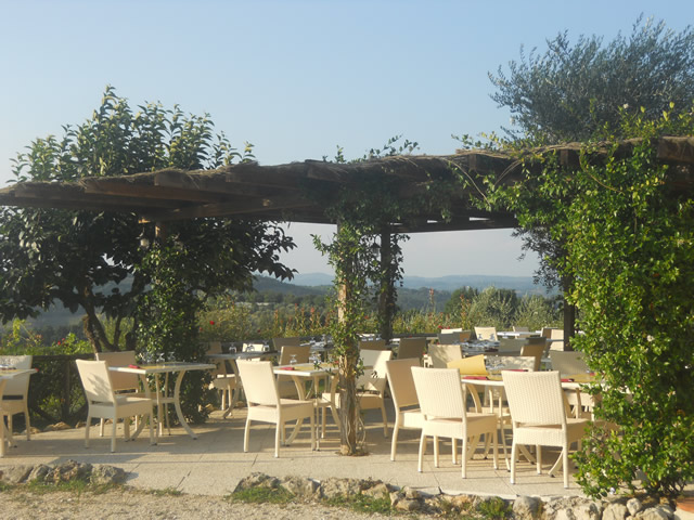 For more information about the Romantic Breakfast do not hesitate to contact the farm house Tavern Bibbiano