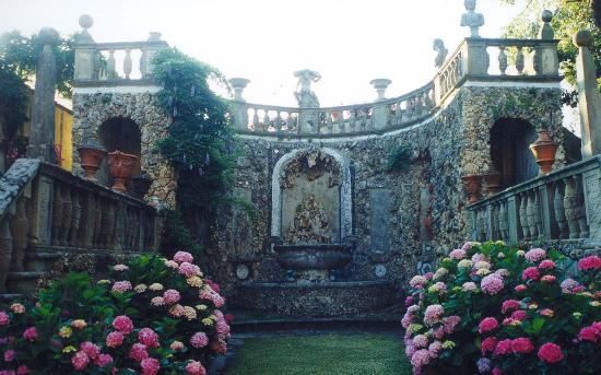 Villa Gamberaia, Romantic itineraries for your honeymoon near San Gimignano and Siena