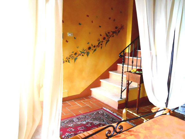 Book your Romantic Honeymoon in Tuscany in Romantic Junior Suite Girasoli in Taverna di Bibbiano San Gimignano Siena