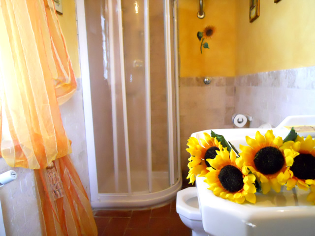 Book your Romantic Getaway in San Gimignano in Romantic Junior Suite Girasoli in Taverna di Bibbiano Tuscany Siena