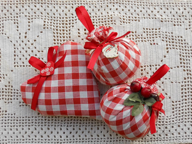 Romantic gifts and romantic lavender bags by Taverna di Bibbiano in San Gimignano