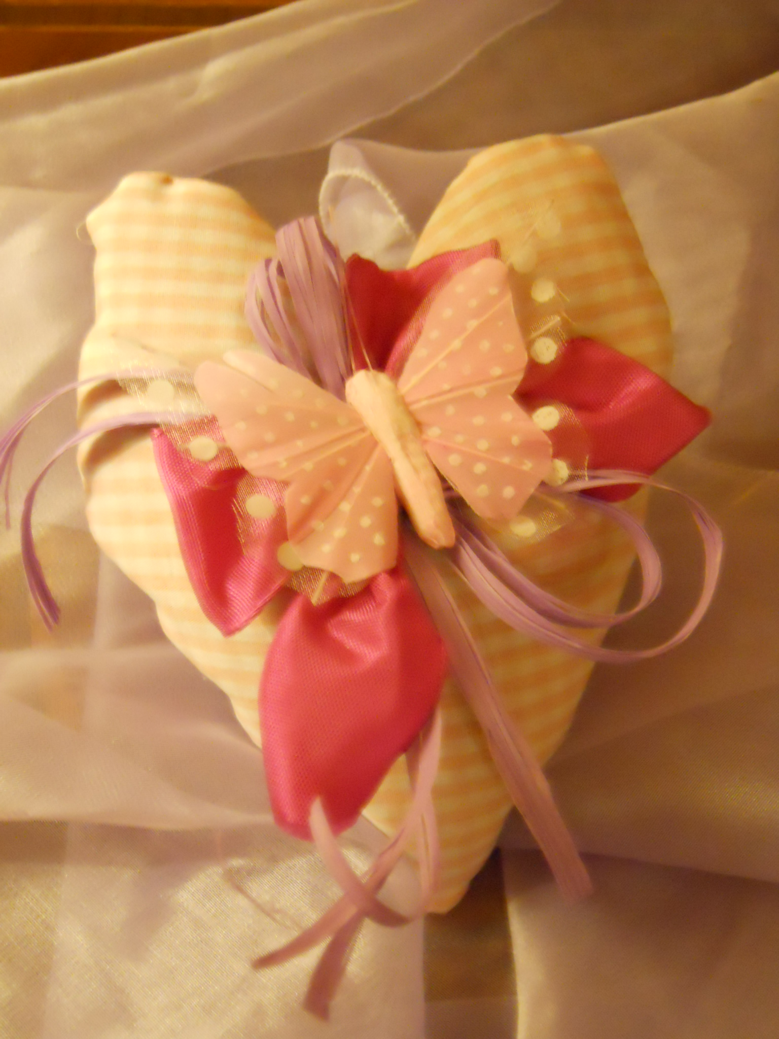 Sweet pink heart, a romantic gift for your Saint Valentine's. Romantic Farmhouse in San Gimignano, Sienna, Taverna di Bibbiano